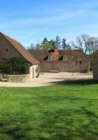 Saône-et-Loire-  Aménagement extérieur d'une maison ancienne